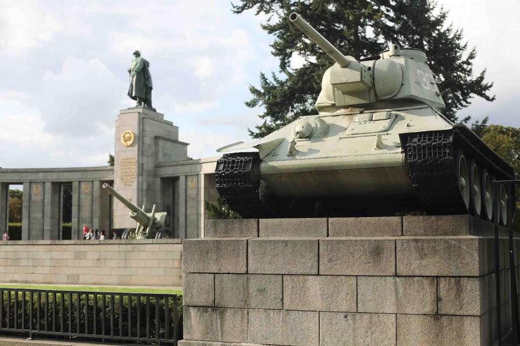Мемориал павшим советским войнам в Тиргартене.