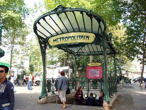 Metro-Paris-entry-©-Parisblogger